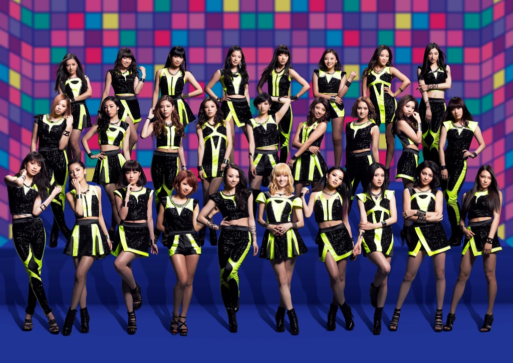 E-girls, promovendo E.G. Anthem -WE ARE VENUS-; o hino do E-girls